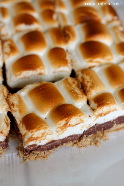 No Bake S'mores Bars - Treats With a Twist